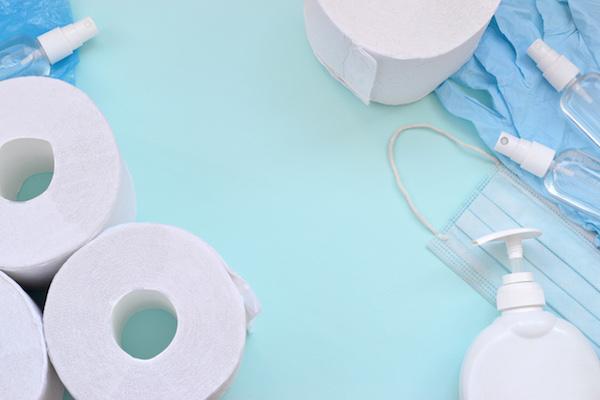 Réassorts produits entretien : papier toilette, savon...